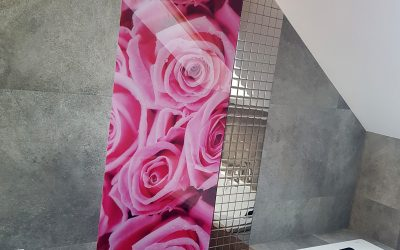 Panel szklany z nadrukiem w łazience